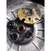 Куски герметика и другой мусор попадающий в систему смазки турбокомпрессора